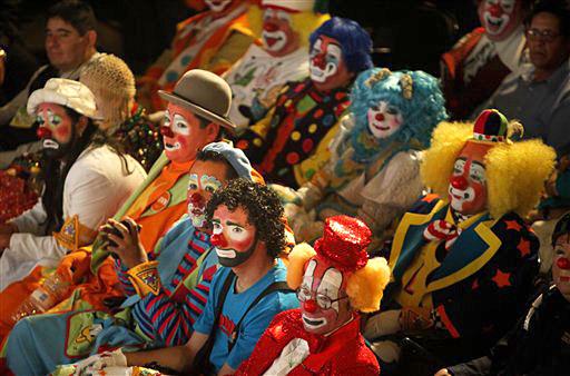 1459279671_20091020213238_clowns-big.jpg